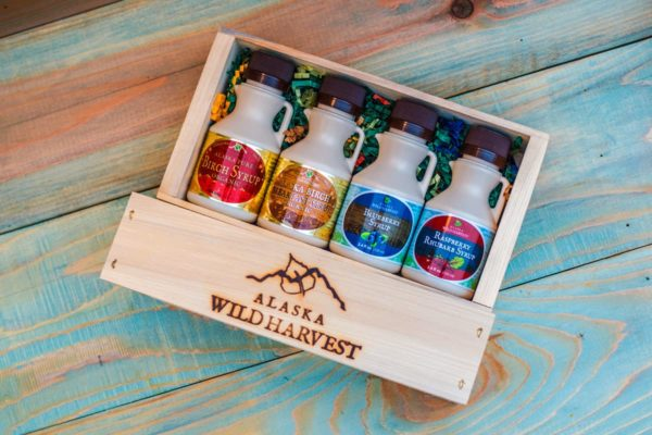 Wild-Harvest-Syrup-Birch-and-berry-Gift-Crate-Pick-4